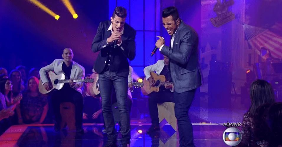 11.dez.2014 - A dupla Danilo Reis e Rafael faz um mix sertanejo das canções