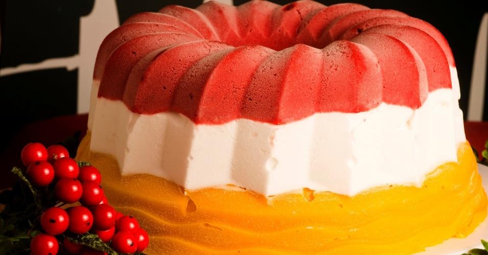 Torta de framboesa, coco e manga do Mil Frutas
