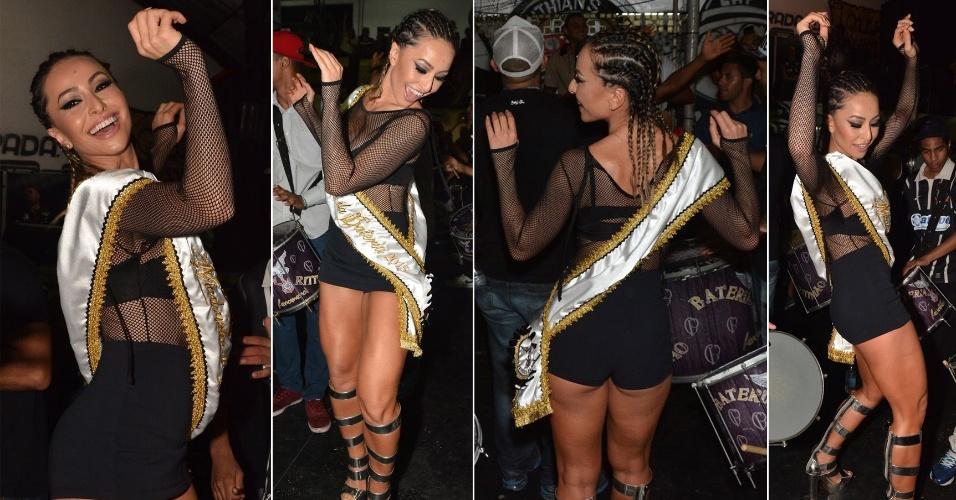 12.dez.2014 - Após receber a faixa de Rainha de Bateria, Sabrina Sato se diverte dançando ao som do samba-enredo da Gaviões da Fiel, na sede da agremiação no bairro do Bom Retiro, no centro de São Paulo, nesta sexta-feira