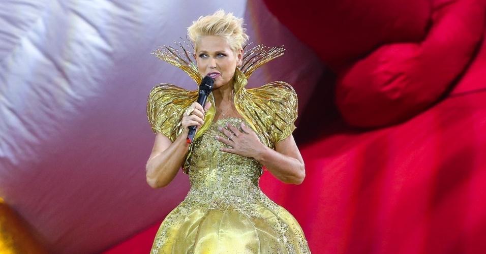 """13.dez.2014 - Xuxa apresenta o espetáculo """"A Magia do Natal"""", em São Paulo"""