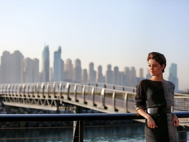 """Sophie Charlotte grava cenas da novela """"Babilônia"""" em Dubai, nos Emirados Árabes"""