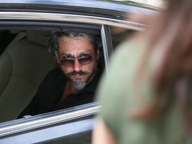 16.dez.2014 - Comendador (Alexandre Nero) nem liga para as ameaças de Cora (Marjorie Estiano) e diz que nunca será dela