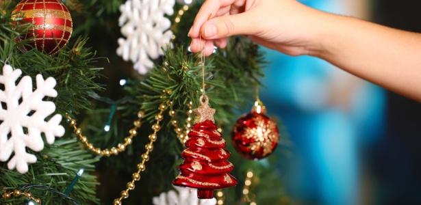 Decore com enfeites dos Natais passados e use a imaginação para deixar a casa linda - Getty Images