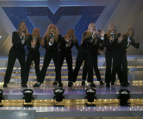 """Depois do sucesso do quadro """"Paradão da Xuxa"""" do """"Xou da Xuxa"""", a apresentadora ganhou um programa com mesmo nome no qual recebia cantores que faziam sucesso na época, inclusive as Paquitas"""