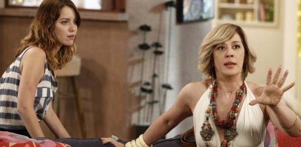 """Samantha (Claudia Raia) diz a Laura (Nathalia Dill) que previu uma tragédia em """"Alto Astral"""", mas visão faz parte de um plano para terminar o romance da jornalista"""