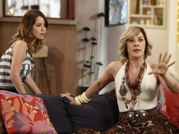 Samantha (Claudia Raia) diz a Laura (Nathalia Dill) que previu uma tragédia em