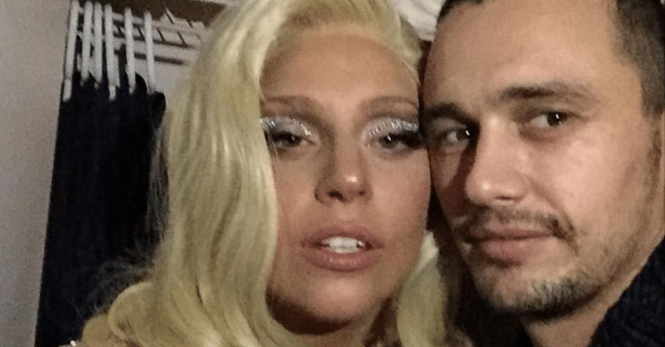 18.dez.2014 - James Franco faz selfie com Lady Gaga e mostra a imagem em sua conta do Instagram, na madrugada desta quinta-feira.