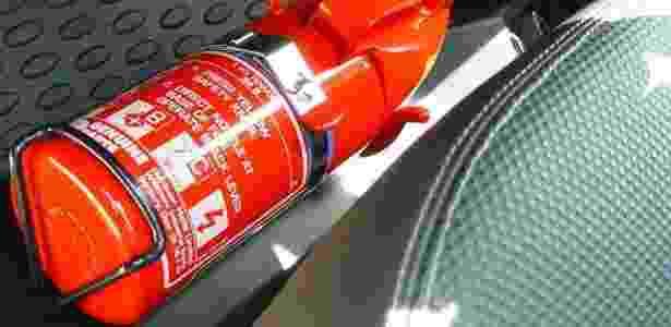 Donos de carros produzidos a partir de 2005 devem checar a validade do equipamento - Reprodução