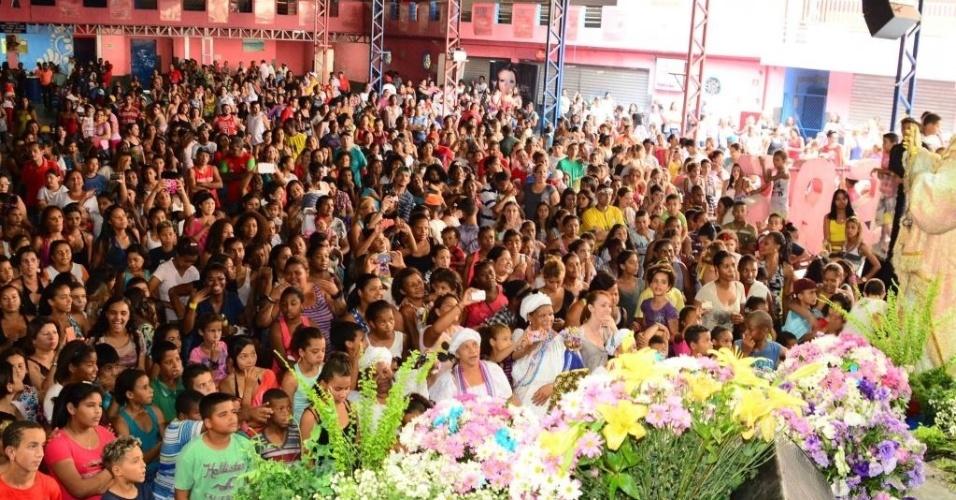A quadra da Rosas de Ouro já está no pique do Carnaval 2015