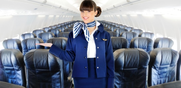 Os passageiros devem ter sentido falta de uma aeromoça como a da foto - Getty Images