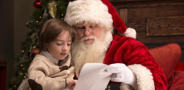 Figuras folclóricas, como o Papai Noel, ajudam a desenvolver a criatividade infantil - Getty Images