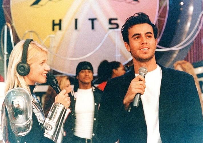 """Em 1995, Xuxa também deu atenção aos """"altinhos"""" com o """"Xuxa Hits"""", que originalmente era um quadro do """"Xuxa Park"""" e ganhou reprises independentes aos domingos"""