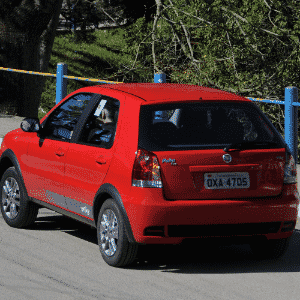 Fiat Palio - Arte UOL Carros