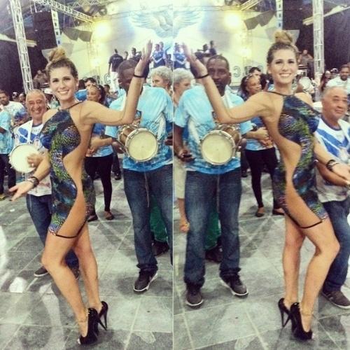 Lívia Andrade publica foto do ensaio na quadra da escola de samba Nenê de Vila Maria. A apresentadora é madrinha de bateria da agremiação