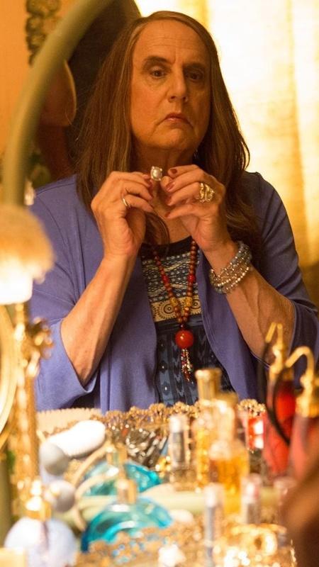 """Maura (Jeffrey Tambor) é a protagonista da série """"Transparent"""" - Divulgação"""