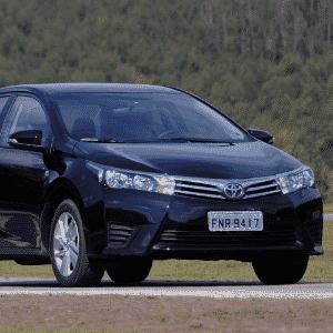 Toyota Corolla - Arte UOL Carros