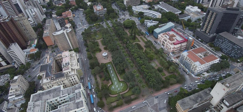 Vista aérea da Praça da Liberdade, em Belo Horizonte - Lúcia Sebe