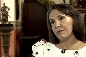 Florinda Meza durante entrevista na casa de Cancun que dividia com Roberto Bolaños