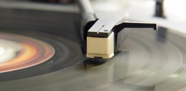 """Vitrolas nunca foram abandonadas pelos aficionados em vinis, mas agora elas são """"cool"""" - Getty Images"""