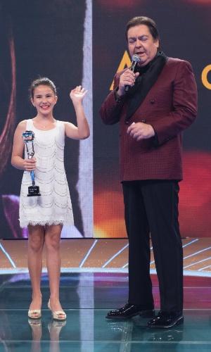 """20.dez.2014 - Atriz de """"Boogie Oogie"""", Giovanna Rispoli foi premiada na categoria mirim do Melhores do Ano do """"Domingão"""""""
