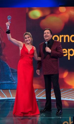"""20.dez.2014 - Fernanda Gentil venceu a nova categoria Repórter do Melhores do Ano do """"Domingão do Faustão"""""""