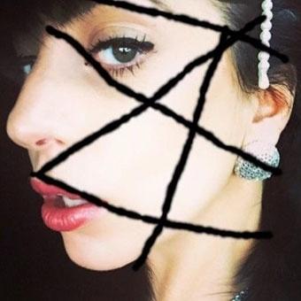 Madonna posta foto de Lady Gaga imitando arte do álbum