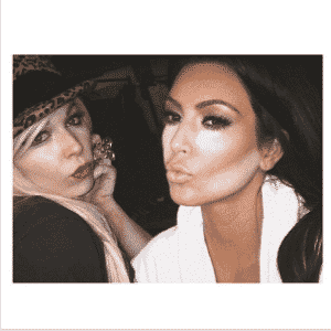 28.mar.2014 - Maquiagem contorno Kim Kardashian - Reprodução/Instagram/@kimkardashian
