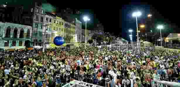 Carlinhos Brown abriu a programação de shows do Réveillon de Salvador na segunda (29), na Praça Cairu - Max Haack