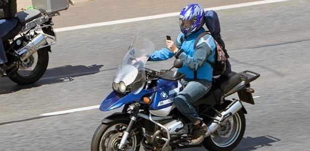 Motociclista desatento é o que tem mais chances de se envolver em acidentes - Getty Images
