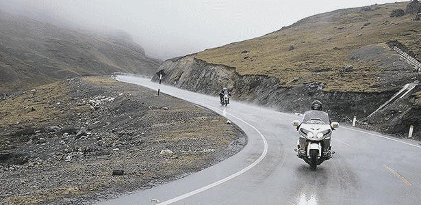 Motociclistas experientes conseguem sentir a aproximação da chuva pelo cheiro - Marcelo Vigneron/UOL - Marcelo Vigneron/UOL