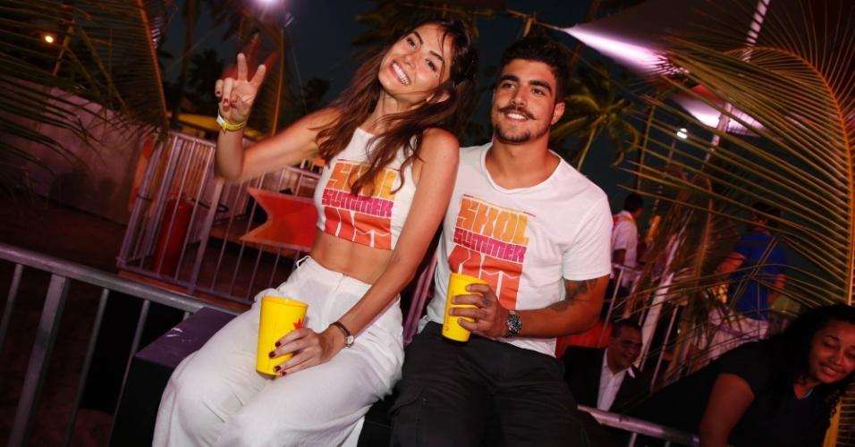3.jan.2015 - A musa aproveitou a noitada na área VIP com o namorado, o ator Caio Castro