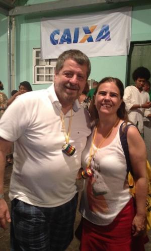6.jan.2014 - Flavio Galvão e Mayara Magri curtem o ensaio do grupo baiano Olodum, no Centro Histórico de Salavador, na noite desta terça-feira