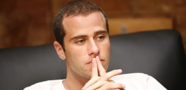 """Leonardo Jancu foi trancafiado com mais dois brothers no primeiro quarto branco do """"BBB"""""""