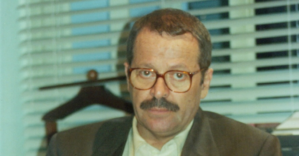 9.jan.2015 - Muito amigo do senador Roberto Caxias (Carlos Vereza), Bruno recorre a ele quando suas terras são invadidas. Idealista e responsável, ele passa os fins de semana em Brasília, e não falta a uma sessão no Congresso Nacional