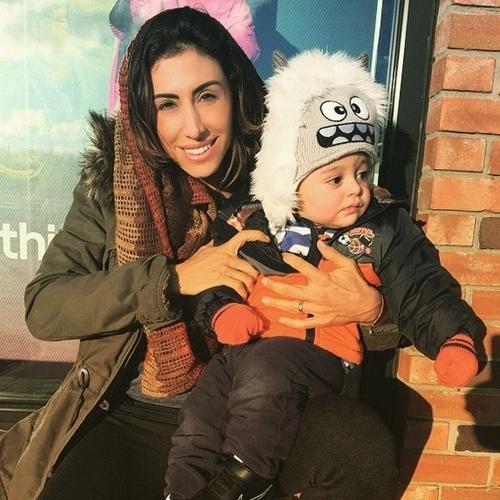 Jaque Khury e seu filho Gael