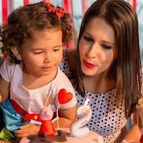 Juliana Brandão e sua filha Maria