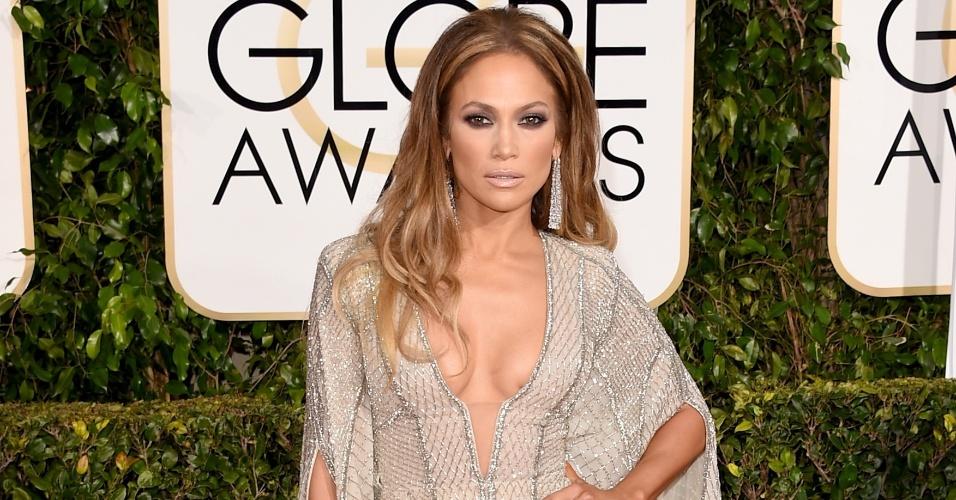 11.jan.2015 - Jennifer Lopez monopoliza os flashes na chegada ao Globo de Ouro, em Los Angeles
