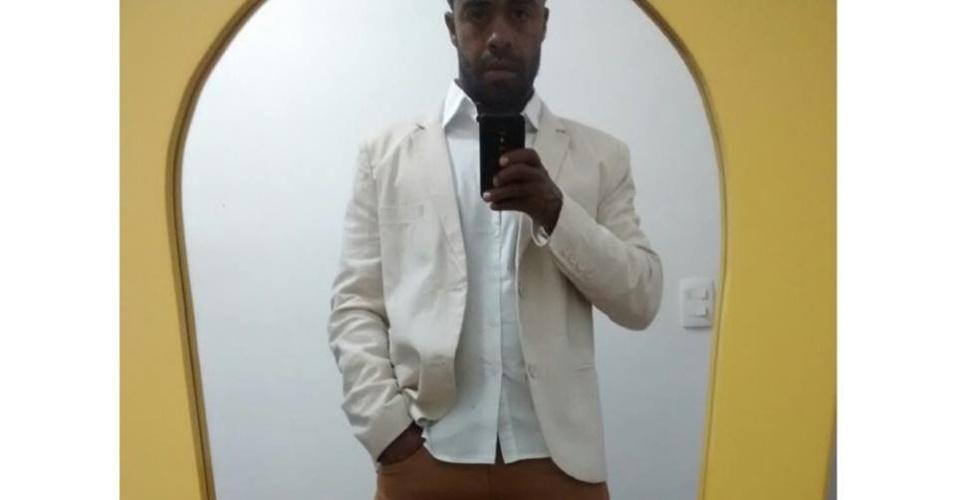 O brother Douglas Ferreira exibe o seu look do dia