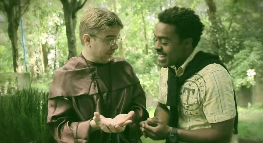 """O participante Douglas Ferreira, do BBB15, em um vídeo do canal de humor """"Jacubaleado"""""""