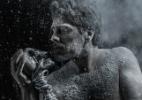 Namorado de Xuxa, Junno aparece sem camisa em foto de peça de teatro - Reprodução/Instagram/junnoandrade/Renato Pagliacci
