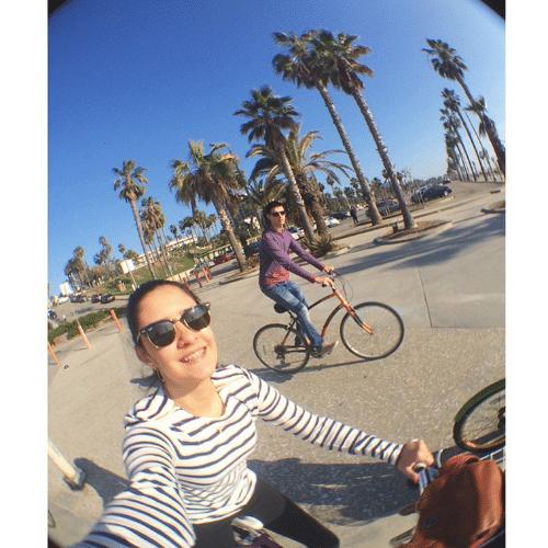 13.jan.2015 - Em viagem com a família, Laura Bonemer, filha do casal William Bonner e Fátima Bernardes, faz uma selfie e mostra detalhes do passeio pela Califórnia, nos Estados Unidos