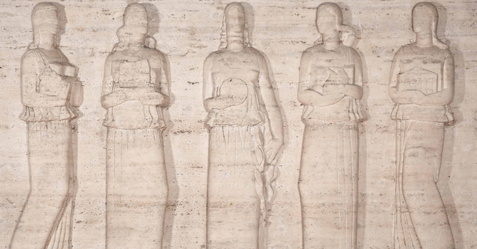 """A mostra """"Brecheret - Mulheres de Corpo e Alma - Desenhos e Esculturas"""" apresenta 37 esculturas e 107 desenhos sobre o gênero feminino, produzidos entre 1920 e 1955, do artista Victor Brecheret. A exposição fica em cartaz de 15 de janeiro a 15 de março, no Museu Nacional dos Correios (SCS, Quadra 4, Bloco A, 256 - Asa Sul, Brasília). A entrada é gratuita."""
