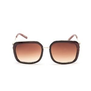 7523e43c8a61d Fotos  Veja óculos de sol até R  200 para usar na praia sem medo de ...
