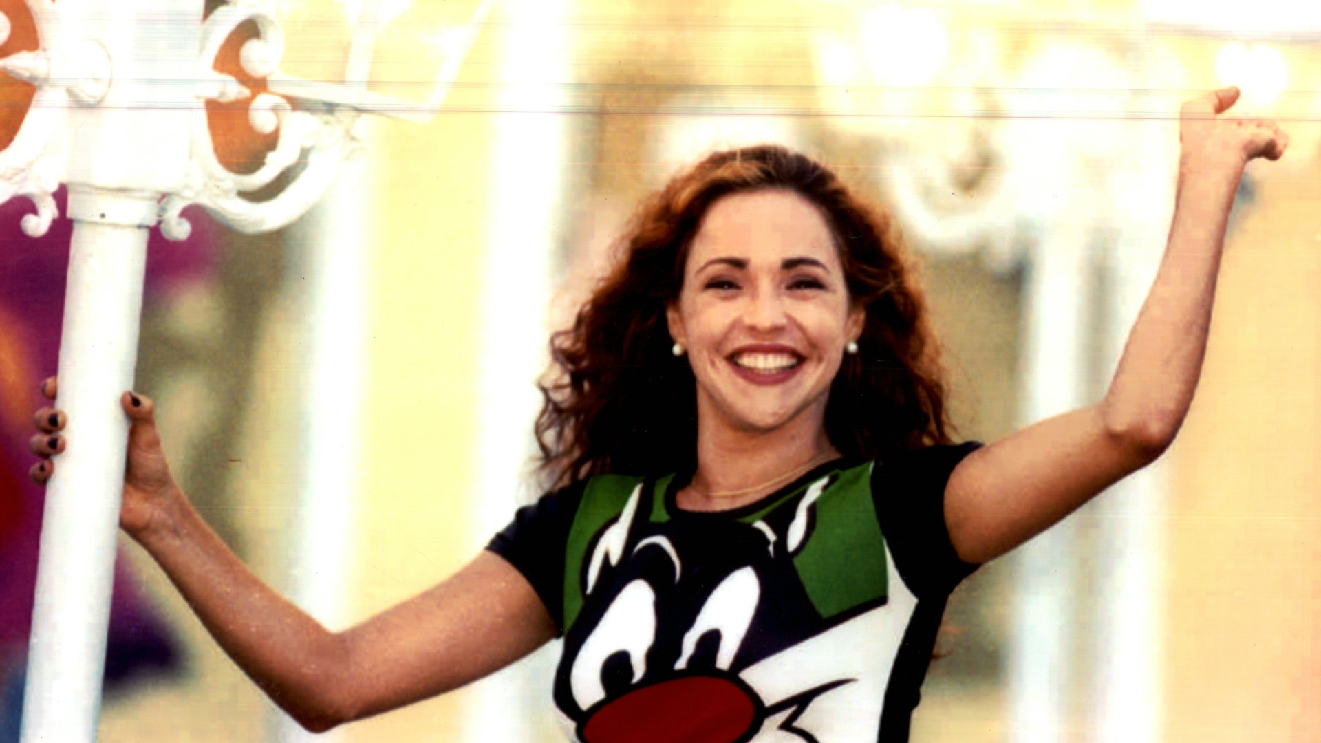 Daniela Mercury posa para foto em 1996