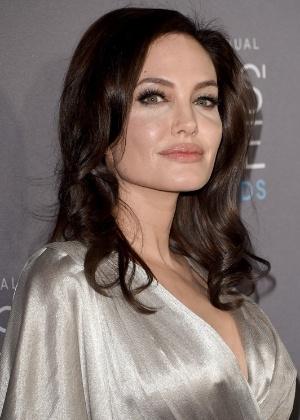 "15.jan.2015 - Angelina Jolie marca presença no Critics"" Choice Movie Awards - Getty Images"
