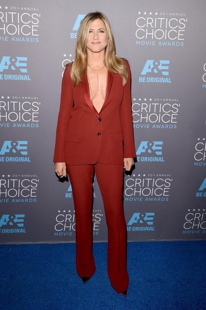 15.jan.2015 - Jennifer Aniston chega à 20ª edição do Critic's Choice Awards, em uma cerimônia realizada nesta quinta-feira, no Hollywood Palladium, em Los Angeles, nos Estados Unidos