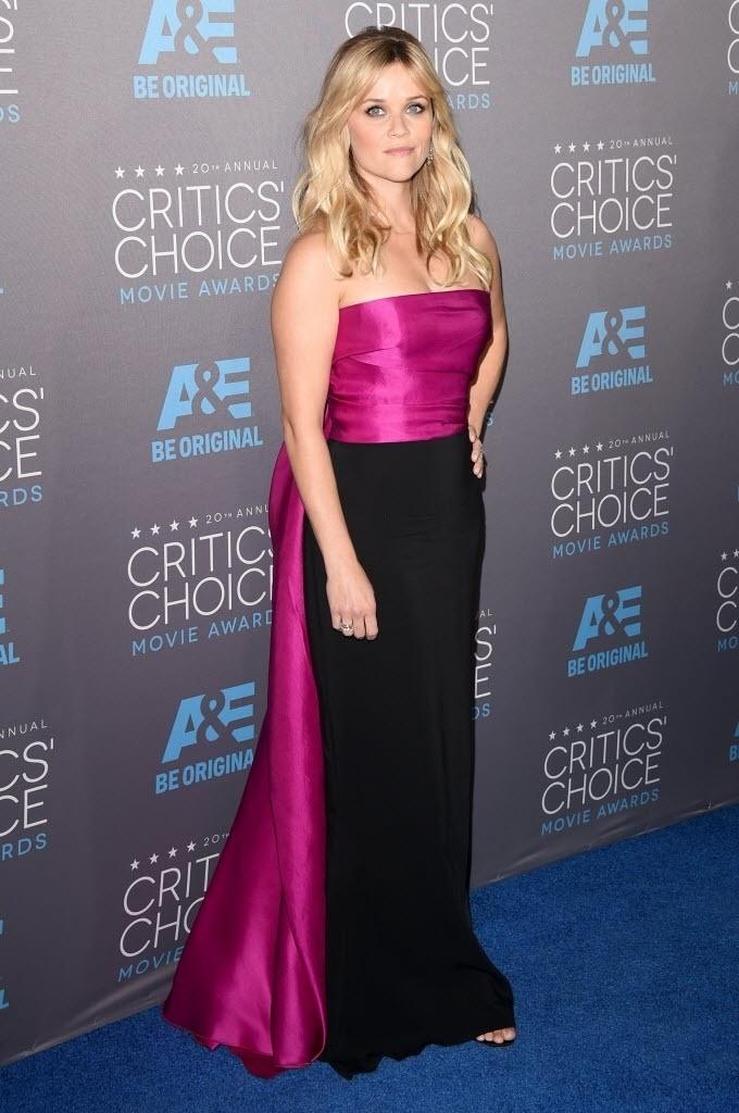 15.jan.2015 - Reese Witherspoon posa para os fotógrafos na 20ª edição do Critic's Choice Awards, em uma cerimônia realizada nesta quinta-feira, no Hollywood Palladium, em Los Angeles, nos Estados Unidos