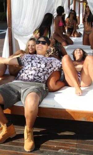 """19.01.2015 - Pablo Jorge, o MC PJ, gravou clipe da música """"Ela Quer Me Ter"""" no clube de luxo La Isla Beach, na Barra da Tijuca"""