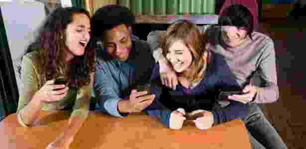 O diálogo sobre o uso seguro da internet deve começar cedo: por volta dos seis anos - Getty Images