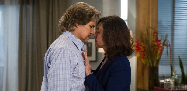 Marcelo (Edson Celulari) e Maria Inês (Christiane Torloni) decidem ficar juntos